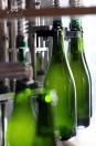 Remplissage des bouteilles - Champagne Demière.