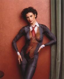 Nue, avec un costume peint sur le corps (Body Painting).