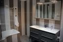 Une des deux salles de bain