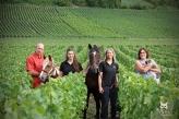 Une ménagerie dans les vignes ! Laurent + Etoile, Marion + Nedji + Alexandra, Valérie + Leo du Champagne Liebart-Regnier à Baslieux sous Châtillon.